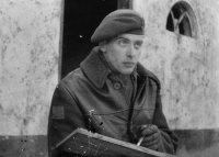 Alex Coville en 1945