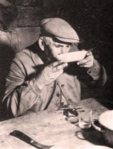ancien vigneron faisant chabrot — source Wikipedia