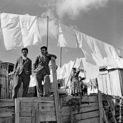 Gilardi, Séchage de la lessive dans le quartier de Shaghai, village de Montecatini, Crotone, 1956