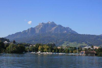 Mont Pilate vu du Lac de Lucerne