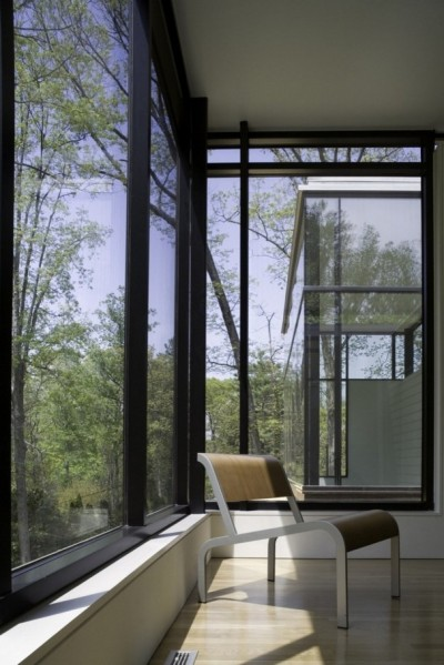 8-BlackWhite-residence-in-Maryland-by-David-Jameson-Architect-607x910