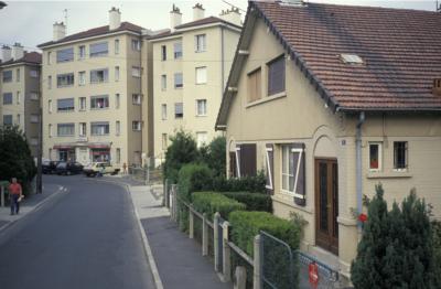 Cité-jardin d'Orgemont à Argenteuil : maison individuelle et immeuble collectif