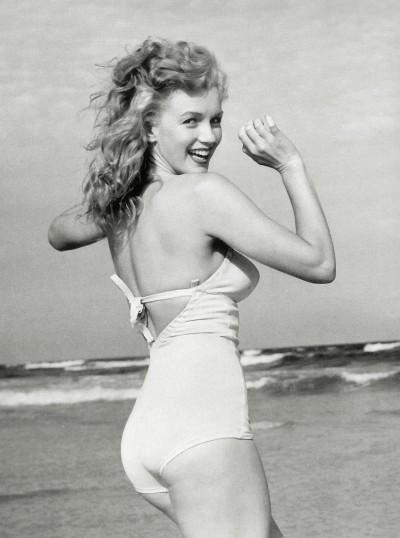 Marilyn_Monroe_1949_Beach_
