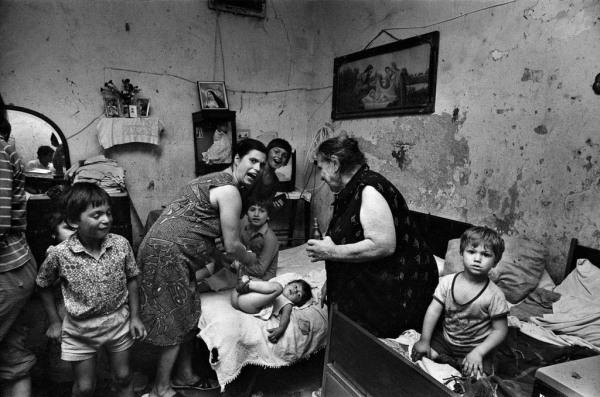 Franco Zecchin - Palerme 6 juillet 1981- nterieur de la place Kalsa, dans le centre historique