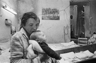 Franco Zecchin - Palerme, 1983 - Intérieur d'une maison pauvre dans le quartier de Brabcaccio.