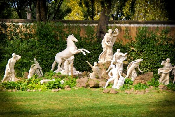 Jardins r v s le carr des niobides de la villa for Le jardin 489 rome
