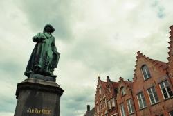 Bruges -  statue de Jan van Eyck