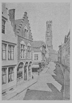 """illustration du roman """"Bruges la morte"""" de Rodenbach - vue de la Wollestraat et du beffroi"""
