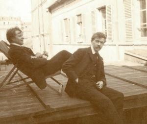 Hugo Boettinger et Tarik F. Simon en 1905 à l'atelier de la rue Daguerre à Paris