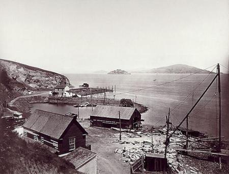 Carleton Watkins - Alcatraz, from North Point, vers 1866