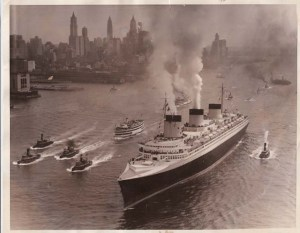 Le Normandie dans le port de New York