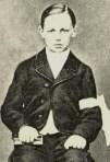 Rthur Rimbaud en communiant à l'âge de 11 ans
