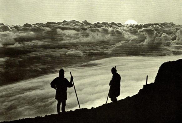 lever du soleil au sommet du mont Fuji (photo Okinawa Soba)