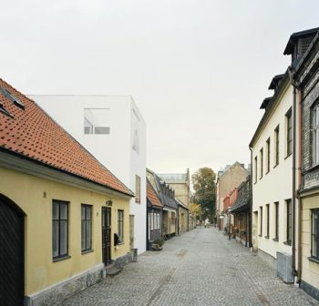 dzn_Townhouse-in-Landskrona-by-Elding-Oscarson-14