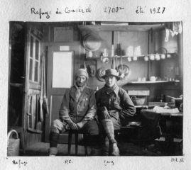 Pierre Chevalier et Guy Labour au refuge du couvercle en 1927