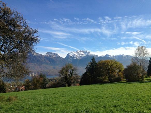Vue sur le lac d'Annecy, les Dents de Lanfon et La Tournette - IMG_5657
