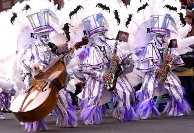 mummers-parade-three-guys