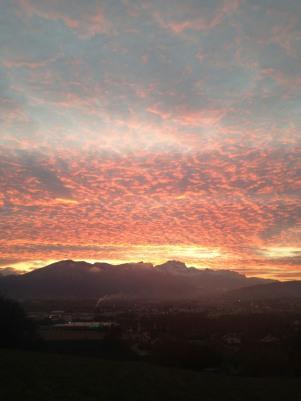Lever du soleil sur les Aravis vu des hauteurs dominant POISY – le 11/11/2014 à 7h 55 – photo Enki, IMG_6138