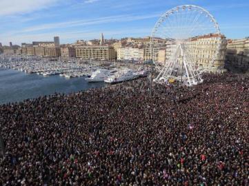 Marche républicaine à Marseille - @maxmrs6