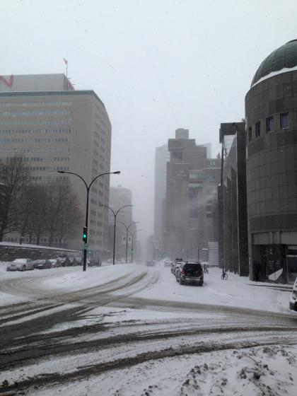 """Montréal sous """"la poudrerie"""" le 8 février 2015  –  photo Enki"""