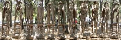 A_Papua_New_Guinean_wooden_sculpture,_Stanford_University_New_Guinea_sculpture_garden