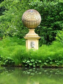 Captain_Cook's_Monument,_Stowe_-_geograph.org.uk_-_886624