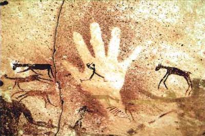 main dans la grotte Foggini au sahara égyptien