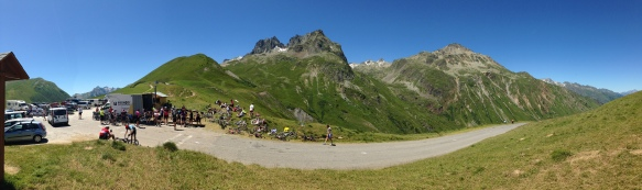 Savoie le 20 juin 2015 : Cyclistes au col du Glandon - photo Enki - IMG_9183