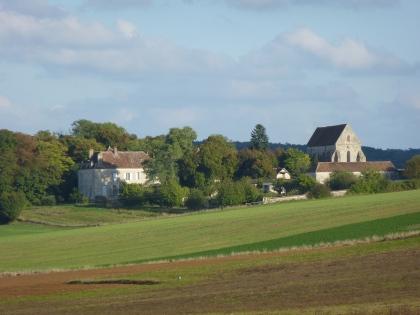 Le Château de Lourps à Longueville qui a servi de décor aux romans de Huysmans Le Ménage et  La rade