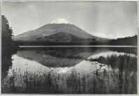 Herbert G. Ponting - le Fuji se mirant dans le lac Shoji, publié par K. Ogawa en 1905