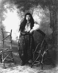 Pjetër Marubi - jeune femme musulmane, 1884