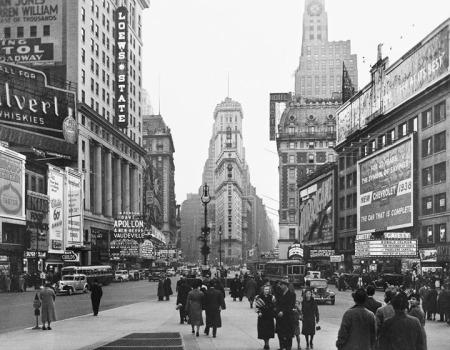 Théâtres de Times Square, Hôtel Astor, immeuble du Times en janvier 1938