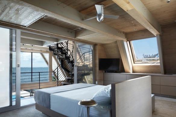 A-frame house à Fire Island (NY) - chambre au nivaeu 1
