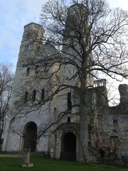 Abbaye de Jumièges - Façade principales et tours, déc.2015 (photo Enki), IMG_4456