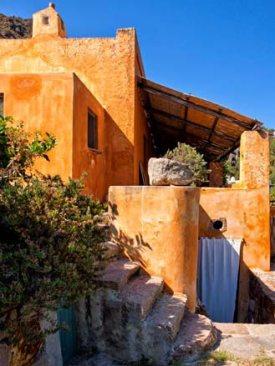 maison dans l'île de Panarea 2.jpg