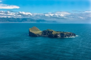 petite île de Elliðaey se trouve au sud de l'Islande, dans l'archipel des îles de Vestmann.6