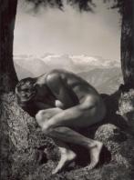 Rudolf Koppitz - Dans les bras de Mère Nature (autoportrait), vers 1924