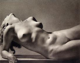 Rudolf Koppitz - nu étendu, vers 1927