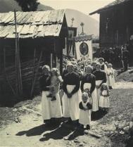 Rudolf Koppitz, Procession au Tyrol dans le Wienerwald, vers 1930-36