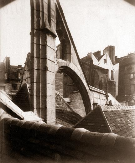 Eugène Atget - Église Saint-Séverin, vue prise sur les toits, entre 1903 et 1927