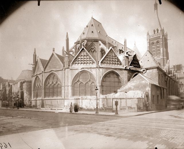 Eugène Atget - Chevet de l'église Saint-Séverin après démolition des vieilles maisons, 1914
