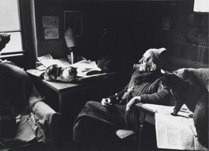 Robert Doisneau Paul Léautaud et ses chats, vers 1950
