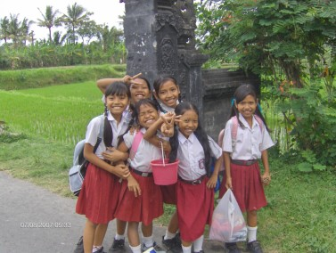ecolieres-a-bali-2007-photo-le-blog-de-asiamour