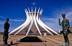 brasilia-cathedral-outside-2