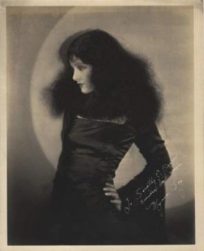 myrna-loy-late-1920