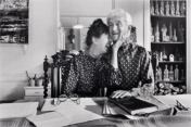 Florette et Jacques-Henri Lartigue en 1981 (photo John Loengard).jpg