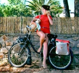 velosolex-catherine-deneuve