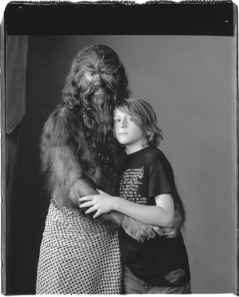 Mary Ellen Mark, on the set of Fur, mother and son