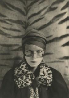 Portrait de Nancy Cunard par Barbara Ker-Seymer