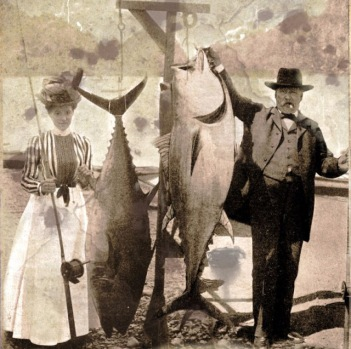 People Posing With Their Big Fishes in the Past (26)